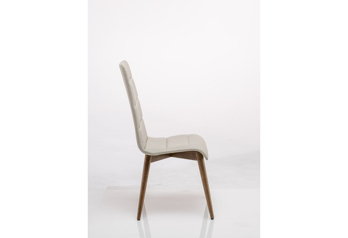 Wesley Tufted Chair