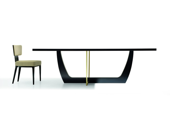 Arca Dining Table